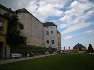 Javornický zámek