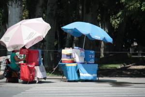 V Biškeku mají skoro na každém rohu stánek s kysem a ledovým čajem