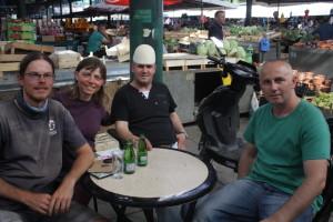 S Lirimem a Gzimem na tržnici v Tetovu