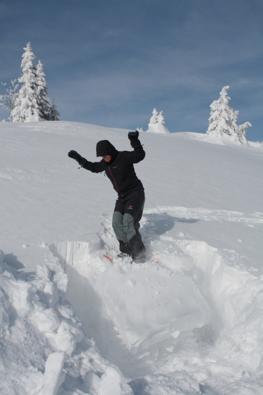 A zkouška soudržnosti sněhu v praxi. Marci se do toho pořádně opřela.